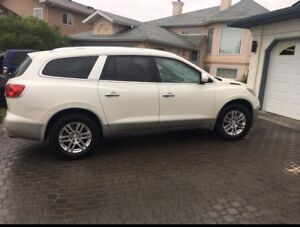 2009 Buick Enclave New tires 7 passenger Leather