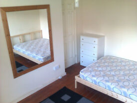 Double room to let in 4 bed house £75 Per Week *** PRICE INCLUDES ALL BILLS **