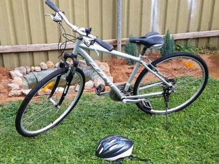 24 speed avanti discovery mountain bike (cheap)