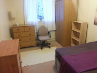 A DOUBLE ROOM TO RENT IN PUTNEY FOR FMEALE,(ALL BILLS INCLUDED)!!!!