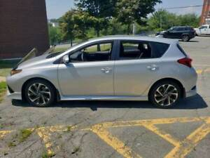 Lease take-over / Silver Toyota Corolla Mi 2017 (hatchback)