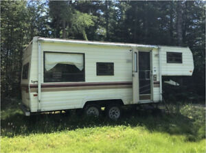 1986 21ft 5th wheel Camper Trailer, Camp, Vintage camper