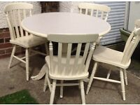 Pine Country style round table and chairs - nice and heavy set