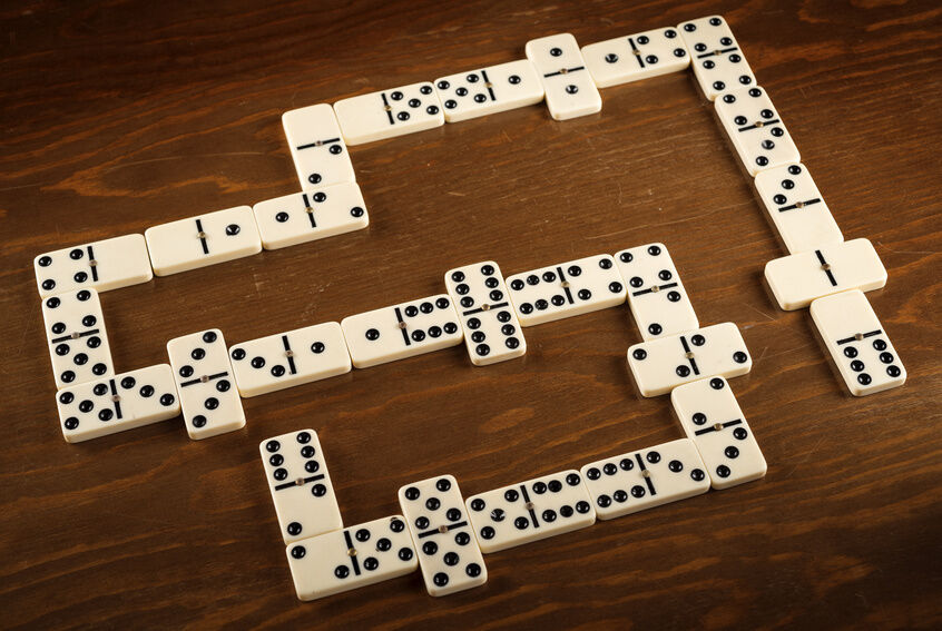 games using dominoes