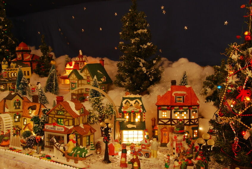 Christmas Villages Buying Guide Ebay