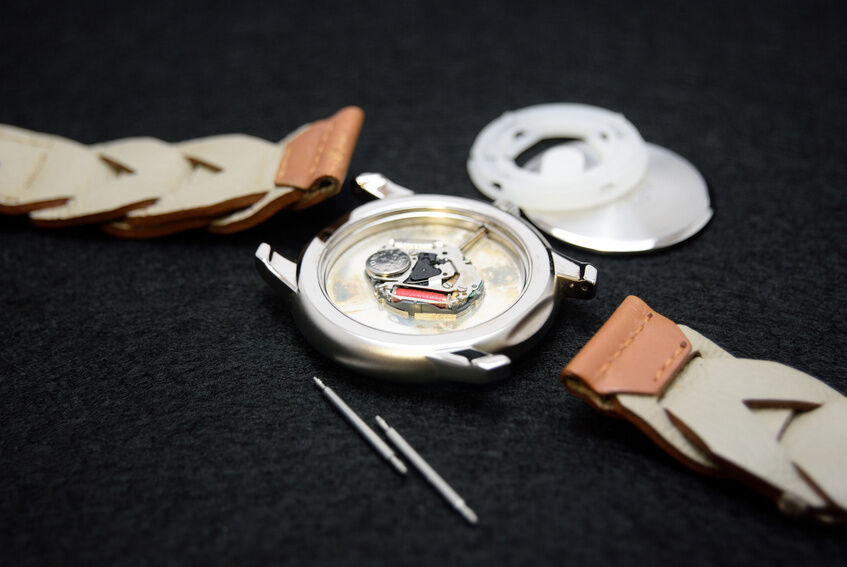 Your Guide to Choosing a Long Lasting Watch Battery