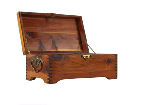 How to Restore a Cedar Chest