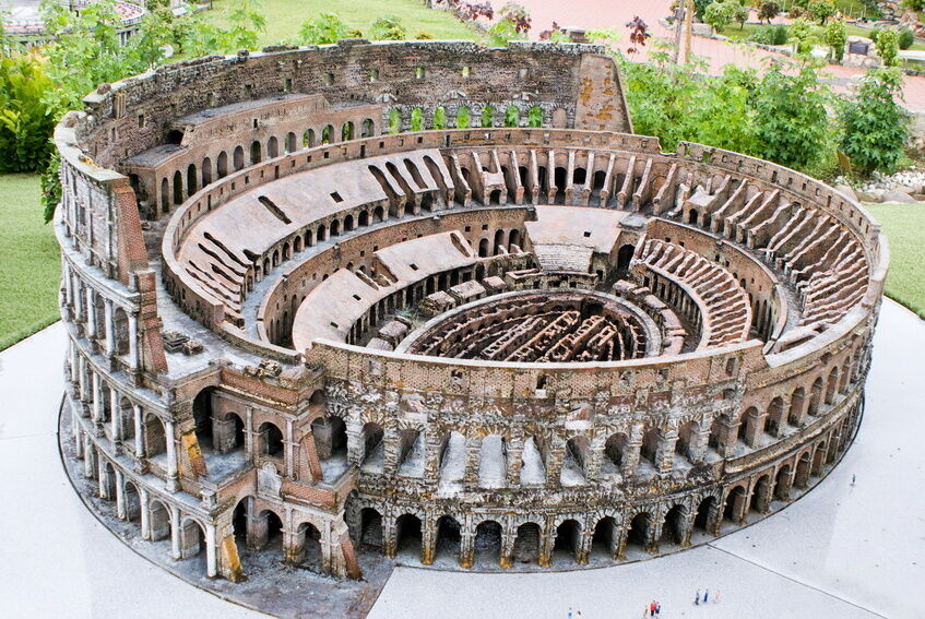 essay on the roman colosseum