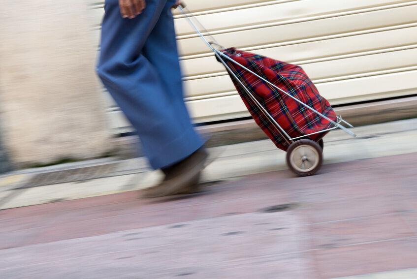 3 Gründe, die für die Anschaffung eines Einkaufsrollers sprechen