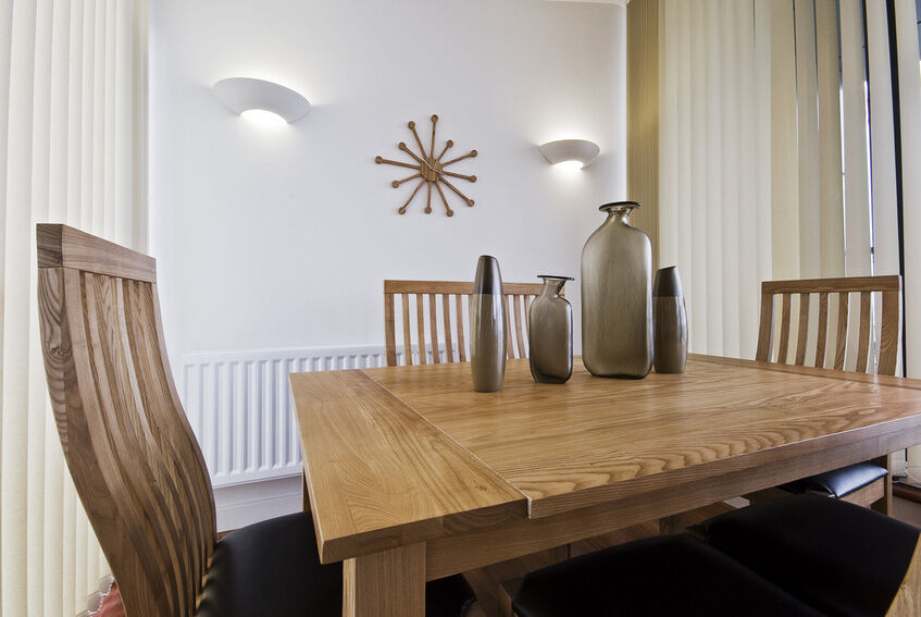 was ist beim kauf von m beln aus massivholz zu beachten ebay. Black Bedroom Furniture Sets. Home Design Ideas