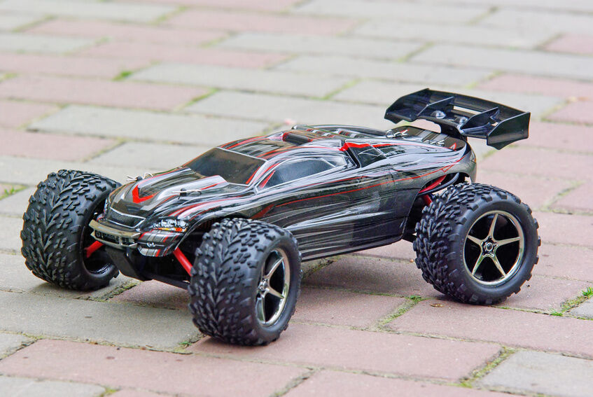 rc mud truck with G on Watch further 320740804682532625 as well Bigfoot Is Real And Itll Appear At The Atlanta Motorama With Its Offspring furthermore 61098 likewise Custom 94 Toyota Pickup Rock Crawler.