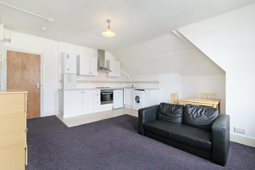 Gorgeous 1 bed flat in Streatham. Furnished or Part Furnished.
