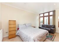 Large double room with ensuite in Tulse Hill. ALL BILLS INCLUDED. FURNISHED.