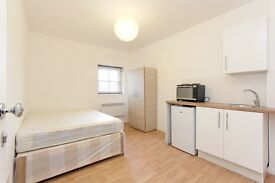 Brand new studio flats in Gipsy Hill. ALL BILLS INCLUDED except electricity. FURNISHED!