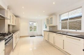Absolutely stunning 4 bed house in Fulham Broadway. AVAILABLE IMMEDIATELY
