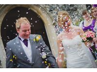 Tim Wood -> Fun, passionate, exciting and relaxed Wedding Photographer (East UK)