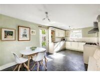 Broomwood Road - A charming four bedroom house set over three floors
