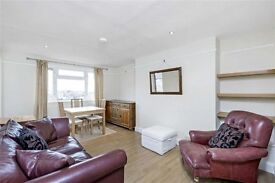 A bright and spacious two bedroom flat located on Westfields Avenue.