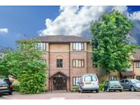 ONE BEDROOM TOP FLOOR SPACIOUS FLAT IN CATFORD FOR SALE **£250,000**