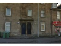 Traditional 2 Bedroom Ground Floor Flat in Broomlands Street Paisley – Available Now