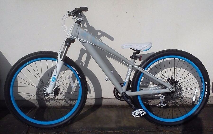 Giant Brass 1 Mountain Dirt Jump Bike In Pencoed Bridgend Gumtree