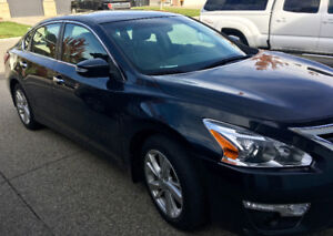 2013 Nissan Altima SL Sedan- ONLY 39,000 kms!