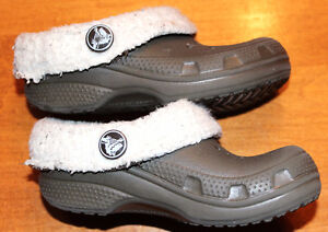 Kid's CROCS with Fur Lining, Size 8-9