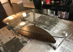 Gorgous glass top cocktail table