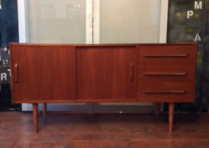 Mid-Century Modern Teak Buffet Sideboard TV Media REFINISHED 5ft