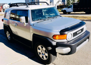 2007 Toyota FJ Fruiser Mint Cleanest one out there