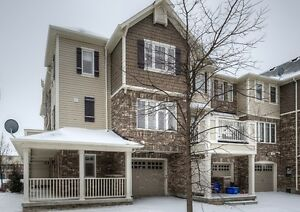 Beautiful 3+1 Bed 2 Bath Town in Milton Steps to Schools