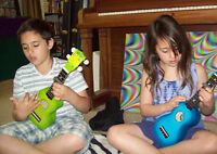 """THE LITTLE GUITAR"" - UKULELE MUSIC LESSONS FOR KIDS !"