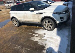 2015 White Range Rover Evoque