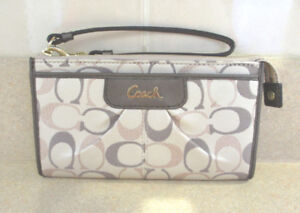 COACH WALLET ASHLEY COLLECTION - LIKE NEW