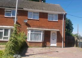 £1,100 pm semi detected house near railway station brand new bathroom
