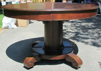 Solid quarter-sawn oak antique round dining table
