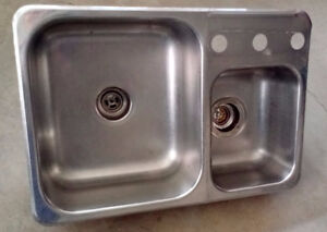 Stainless Steel Dual-Sized Sink