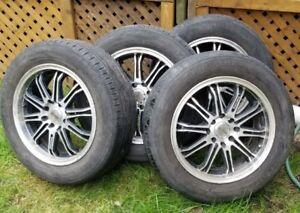 Mag (jante) adaptif et pneu P195/60R15 pour VENTE RAPIDE