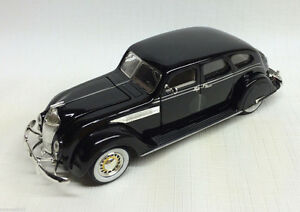 1936 Chrysler Airflow sedan; very detaile die-cast in 1/32 scale