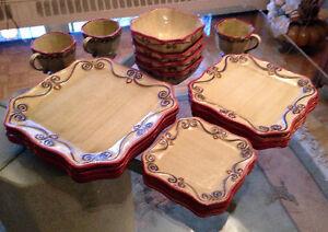 Set de Vaisselle ** Set of Dishes