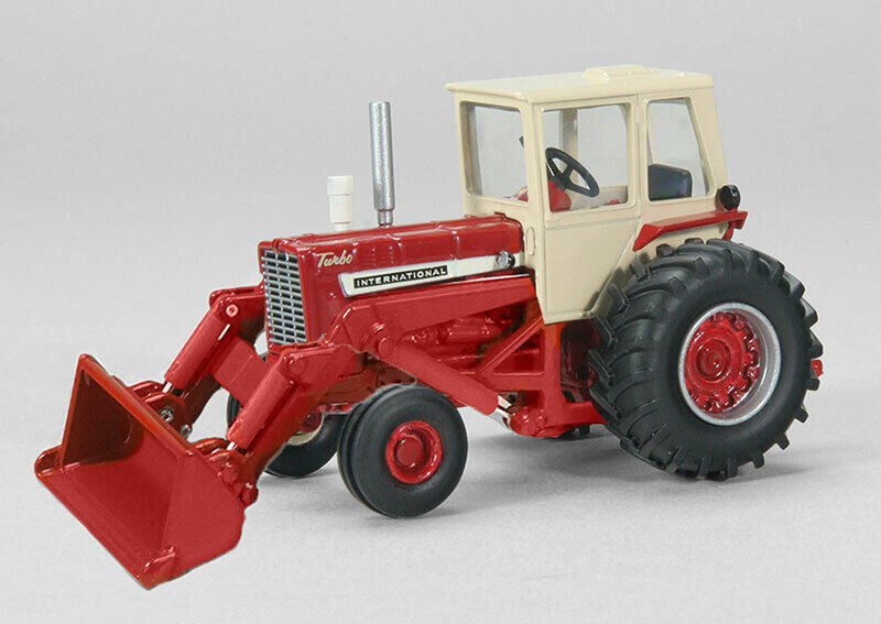 1/64 SPECCAST International 1256 Tractor with Loader
