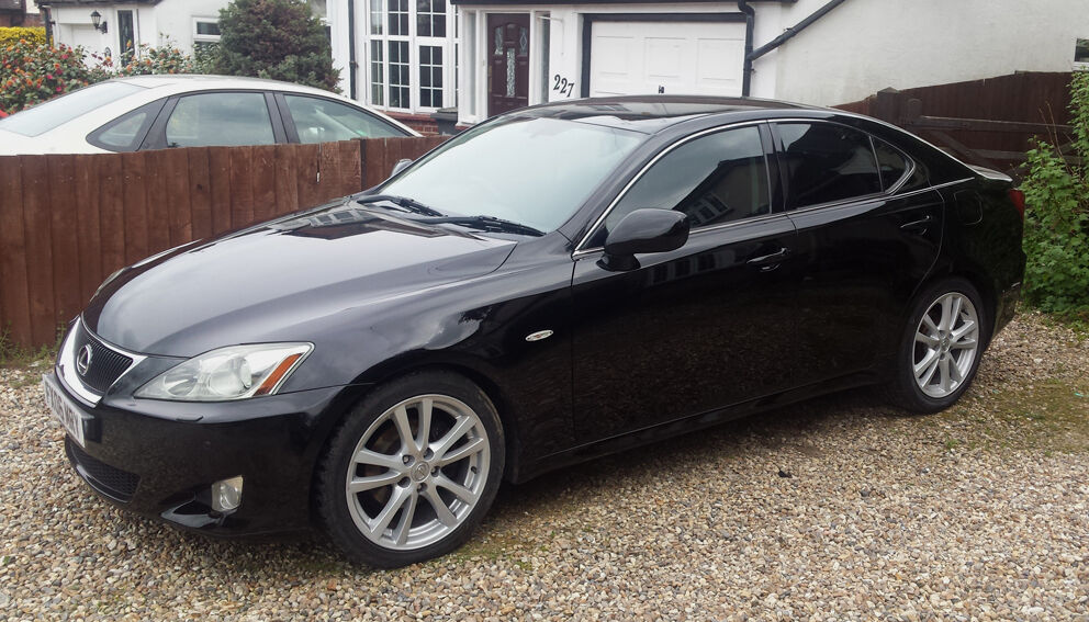 Lexus is 250 sports 2 5 v6 engine petrol in glossy black for Lexus is 250 motor