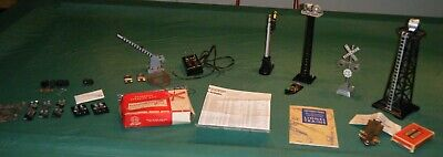 Vintage Lionel Train Accessories Lot - Lighted Towers Signals Bulbs Gates Signs ()
