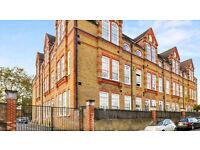 Stoke Newington N16 ---- Fantastic 3 Bed School Conversion ---- N16 0RF ----- £550 Per Week --
