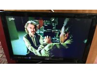 TV &DVD LOGIK 24INCH WITH BUILT IN DVD FREE VIEW REMOTE ORIGINAL BOX NO STAND WAS ON WALL BRK