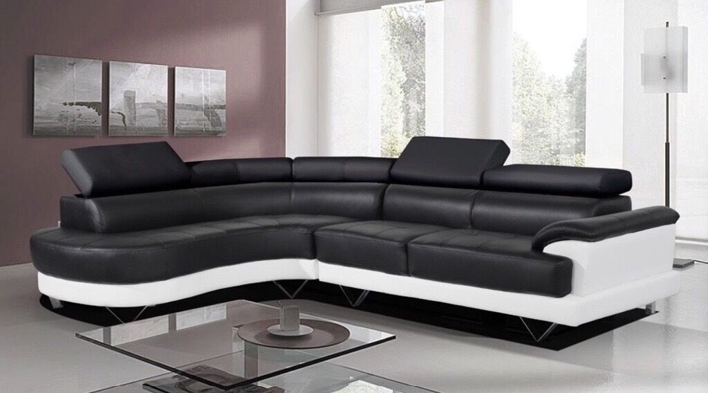 COSMO BLACK/WHITE BONDED LEATHER CORNER SOFA LEFT HAND. £150