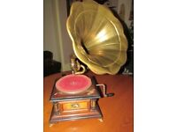 Replica HMV 78:rpm Gramophone player