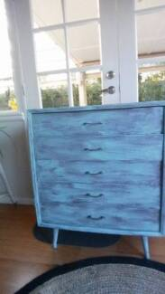 Vintage Shabby Chic set of drawers