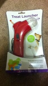 Pet Treat Launcher Kingston Kingston Area image 1