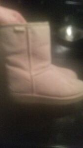Genuine EMU boots like new Cambridge Kitchener Area image 4
